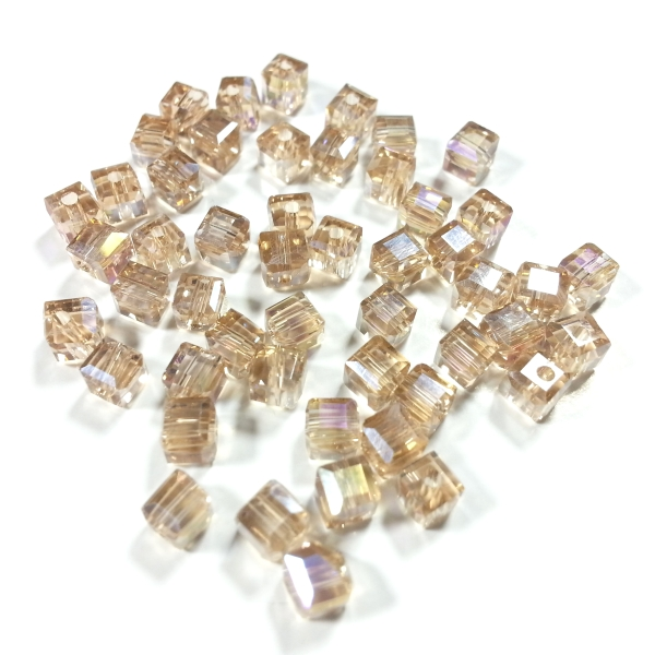 Cubes 4 mm silver champagne AB (50 Stk.)